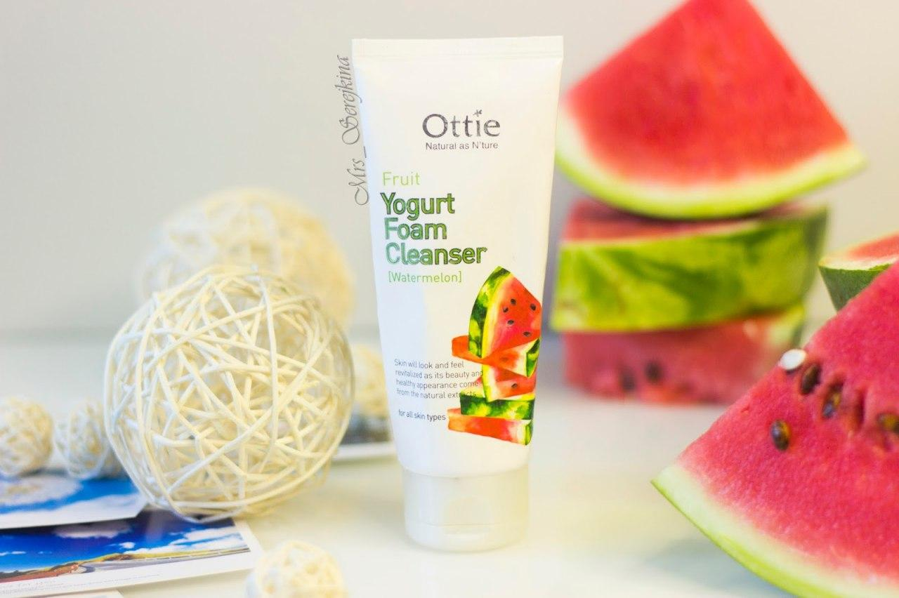 Пенка с арбузом Fruits Yogurt Foam Cleanser [Watermelon]