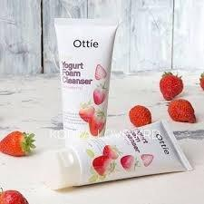 Пенка с клубникой Fruits Yogurt Foam Cleanser [Strawberry]